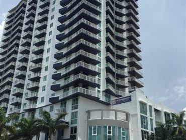 1800 Biscayne Plaza Condos for Sale and Rent 275 NE 18th StreetEdgewater, FL 33132