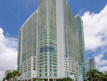 1800 Club Condos for Sale and Rent 1800 N Bayshore DriveEdgewater, FL 33132