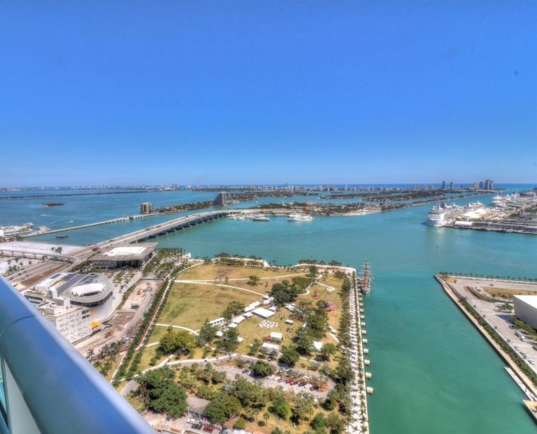 900 Biscayne Bay photo03