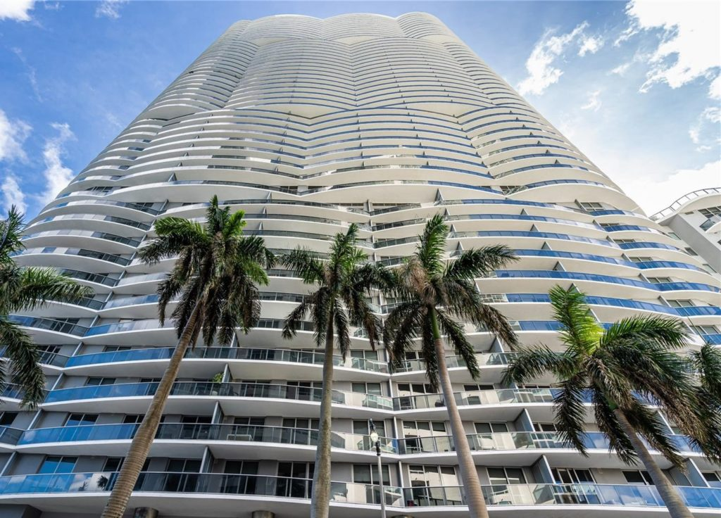 Aria on the Bay - 01 - photo