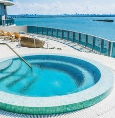 Aria on the Bay - 16 - photo
