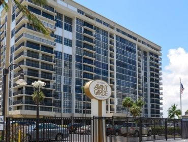 Avant Garde Condos for Sale and Rent 2017 S Ocean DriveHallandale Beach, FL 33009