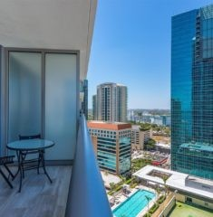 Brickell House photo15