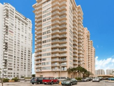 Del Prado Condos for Sale and Rent 18061 Biscayne BlvdAventura, FL 33160