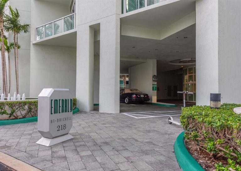 Emerald at Brickell photo02