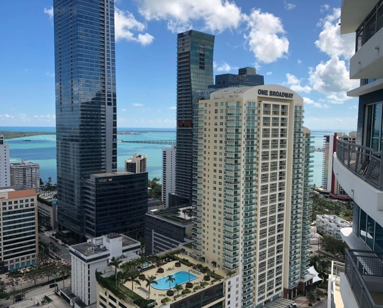Infinity at Brickell photo05