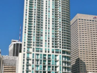 Met 1 Condos for Sale and Rent 300 S Biscayne BlvdDowntown Miami, FL 33131