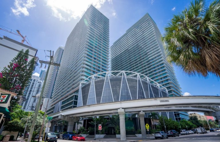 Axis on Brickell photo01