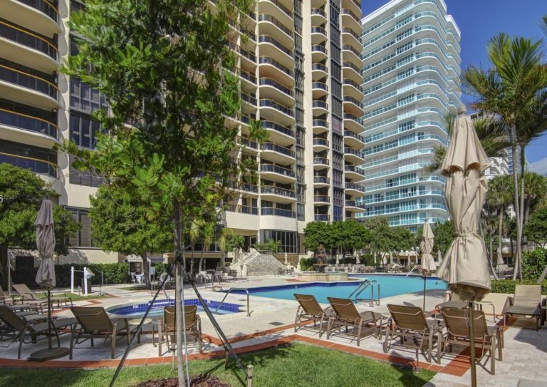 Bal Harbour Tower photo02