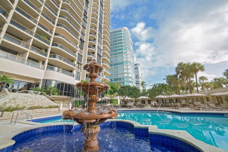 Bal Harbour Tower photo08