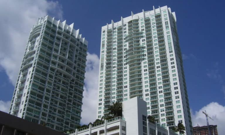 Brickell on the River photo01