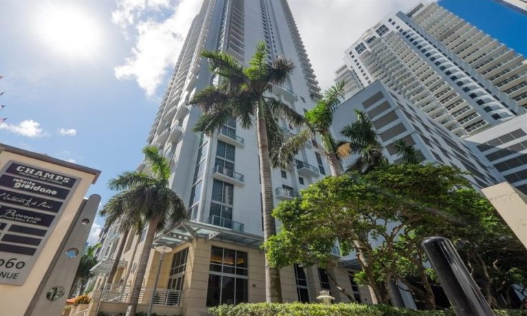 1060 Brickell photo02