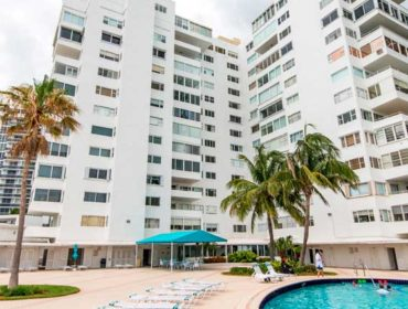 Carlton Terrace Condos for Sale and Rent 10245 Collins AveBal Harbour, FL 33154