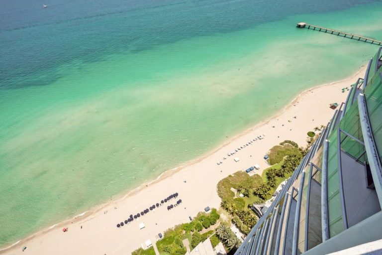 Jade Beach photo17