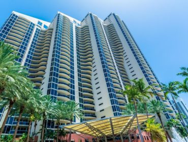 Pinnacle Condos for Sale and Rent 17555 Collins AveSunny Isles Beach, FL 33160