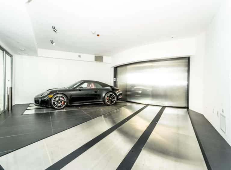Porsche Design Tower photo15