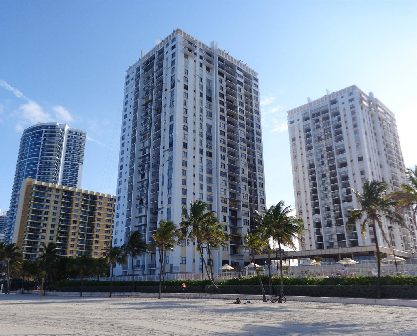 Quadomain Condos for Sale and Rent 2201 S Ocean DriveHollywood Beach, FL 33019