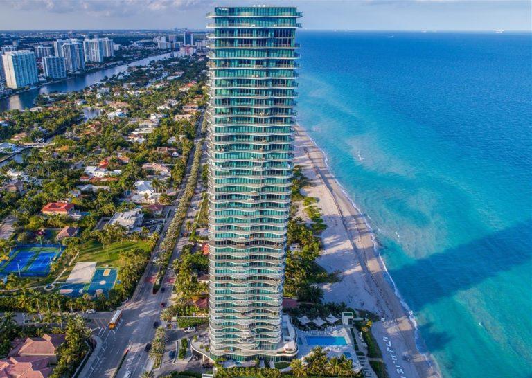 Regalia Miami - 01 - photo
