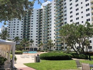Residences on Hollywood Condos for Sale and Rent 3001 S Ocean DriveHollywood Beach, FL 33019