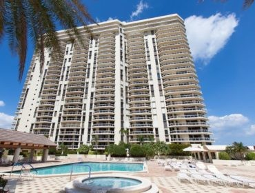 Terraces at Turnberry Condos for Sale and Rent 20191 E Country Club DriveAventura, FL 33180