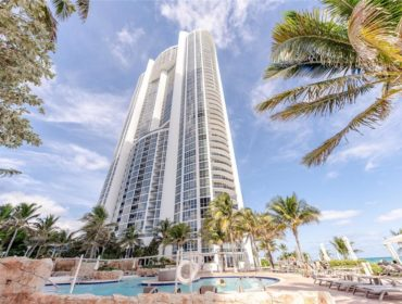 Trump Royale Condos for Sale and Rent 18201 Collins AveSunny Isles Beach, FL 33160