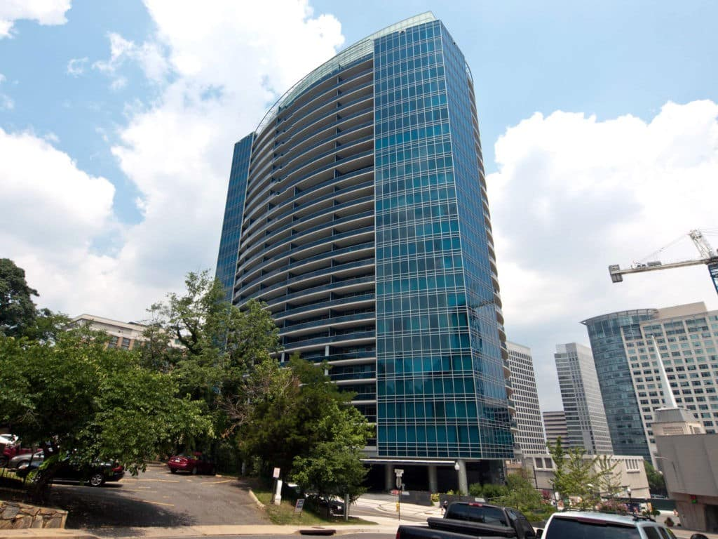 Turnberry Towers photo01