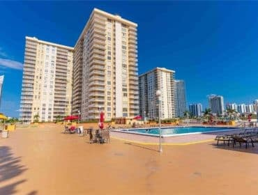 Winston Towers Condos for Sale and Rent 250 174th StSunny Isles Beach, FL 33160
