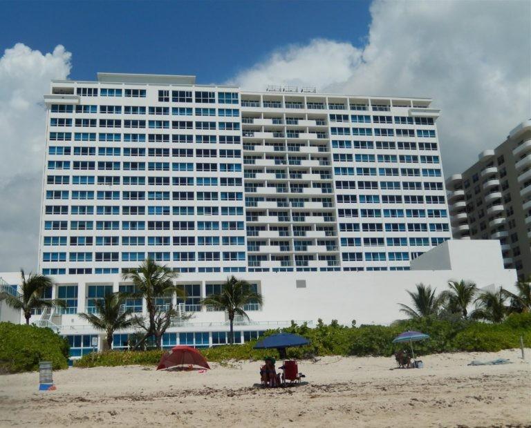 Castle Beach Club photo02