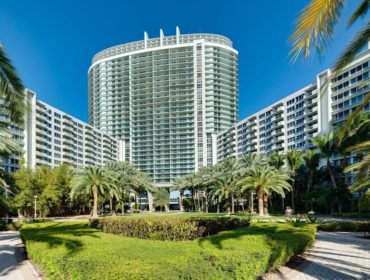 Flamingo South Beach Condos for Sale and Rent 1500 Bay RdSouth Beach, FL 33139