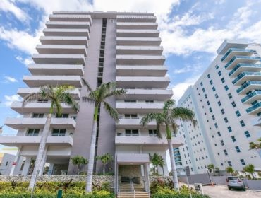 Four Winds Condos for Sale and Rent 9225 Collins AveSurfside, FL 33154