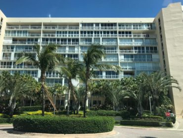 Mar Azul Condos for Sale and Rent 600 Grapetree DrKey Biscayne, FL 33149