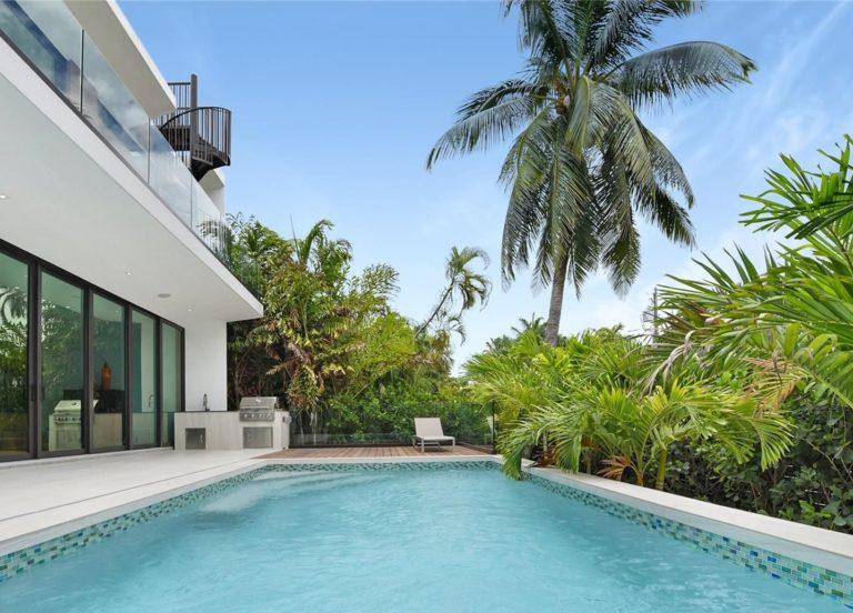 Palm Island photo10
