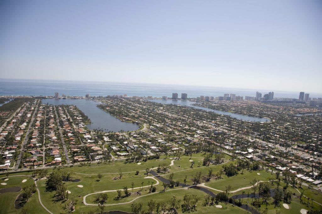 Hollywood Lakes photo01