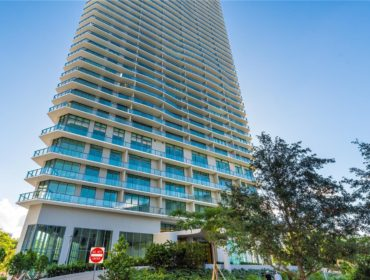 Paraiso Bayviews Condos for Sale and Rent 501 NE 31 StEdgewater, FL 33137