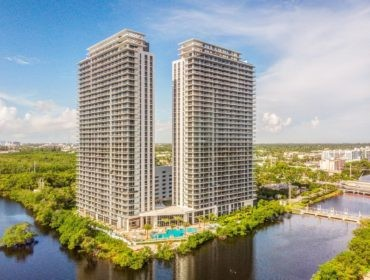 The Harbour Condos for Sale and Rent 16385 Biscayne BlvdNorth Miami Beach, FL 33160 - thumbnail