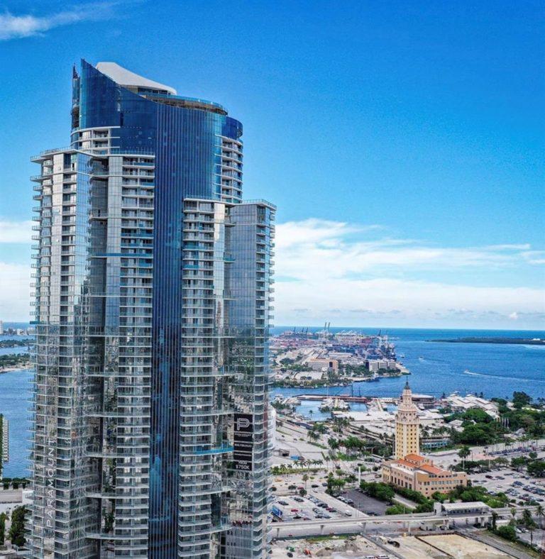 Paramount Miami Worldcenter photo02