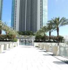 Paramount Miami Worldcenter - 05 - photo