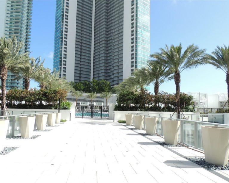 Paramount Miami Worldcenter photo05