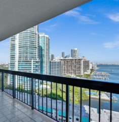 Brickell Bay Club photo19