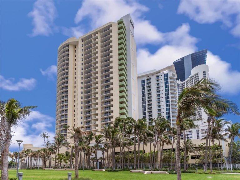 Doubletree by Hilton Ocean Point Resort photo05