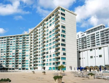 La Costa Condos for Sale and Rent 5333 Collins AveMiami Beach, FL 33140