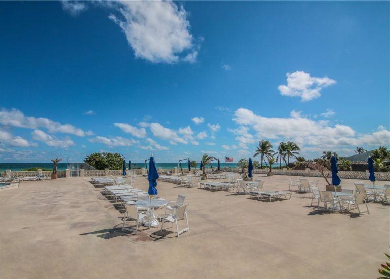 La Costa photo16