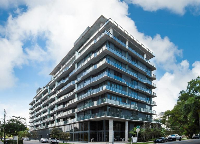 Cassa Brickell photo01