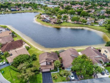 Lakes Of The Meadow Homes for Sale and Rent 4290 SW 149th CtMiami, FL 33185
