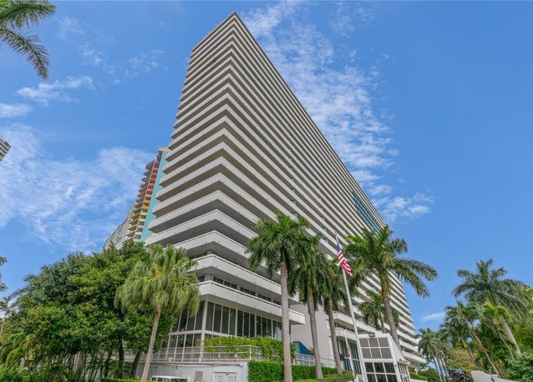 Imperial at Brickell photo01