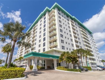 Island Pointe Condos for Sale and Rent 10350 W Bay Harbor DrBay Harbor Islands, FL 33154