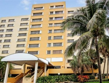 Bahia Mar Condo Condos for Sale and Rent 650 Ocean Dr Key Biscayne, FL 33149 - thumbnail