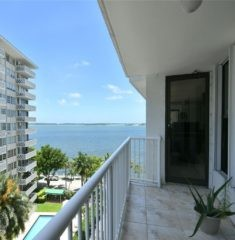 Brickell Shores photo10