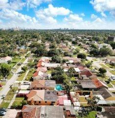 Central Miami - 01 - photo