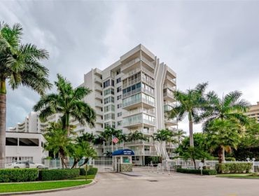 Sands of Key Biscayne Condos for Sale and Rent 605 Ocean DrKey Biscayne, FL 33149